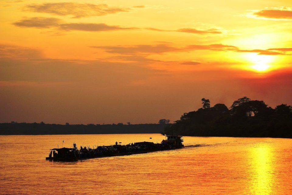 Kisangani (Stanleyville) Kongo Bild von Tracy Angus-Hammond